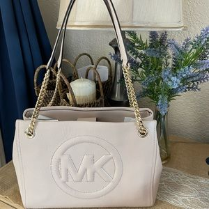 *Accepting Offers!* Michael Kors Bynn Light Pink and Gold Tote Bag